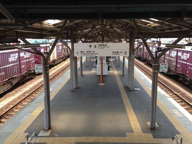 さすがDD51の聖地、興奮収まらず撮りまくり@JR四日市駅_a0334793_00011421.jpg
