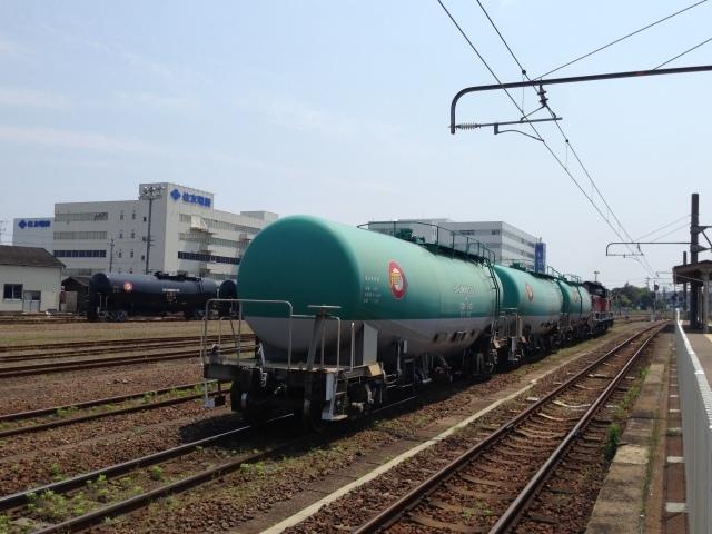 さすがDD51の聖地、興奮収まらず撮りまくり@JR四日市駅_a0334793_00102418.jpg