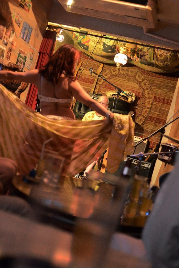 Dancing in the night_d0065116_16424370.jpg