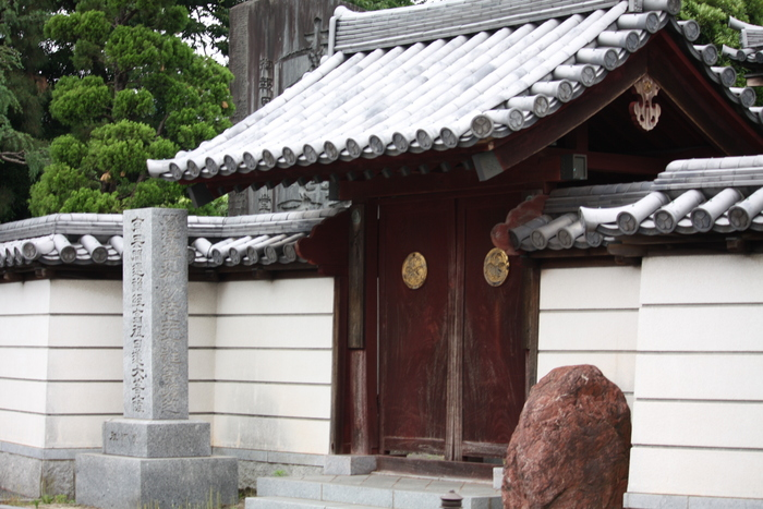 """""""葵の寺紋""""のある寺院。。_a0214329_14165314.jpg"""