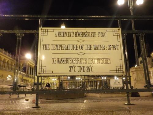 大迫力の議事堂!美術館!温泉!  魅力的なブダペストの街を満喫♪_c0351060_20525509.jpg