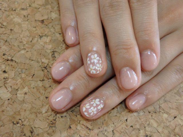White Flower Nail_a0239065_16005575.jpg