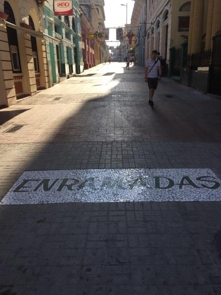 キューバの街角 _a0103940_22325601.jpg