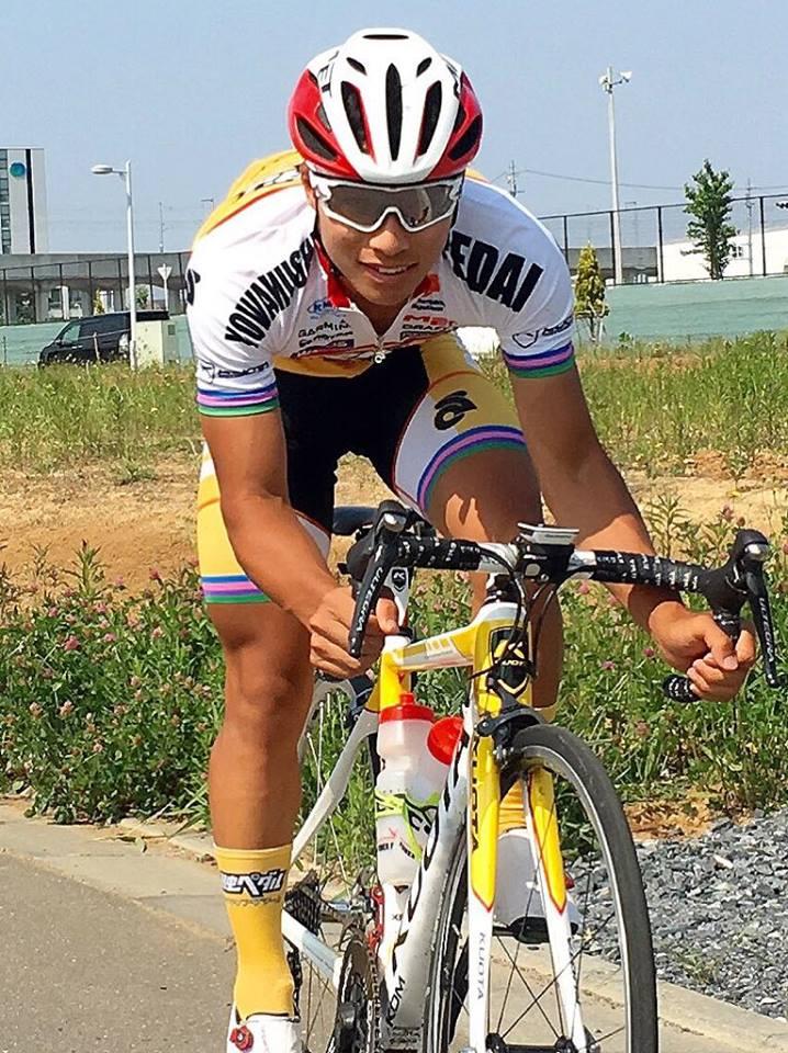 弱虫ペダルサイクリングチーム岡選手のサングラス完成_e0304942_11235270.jpg