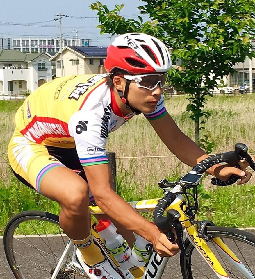 弱虫ペダルサイクリングチーム岡選手のサングラス完成_e0304942_112415.jpg