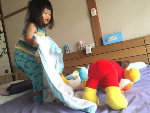 イコちゃん、アンパンマン、受難!_e0046950_09000770.jpg