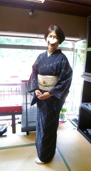 ファッションカンタータの久米島紬のお客様・黒い蝶。_f0181251_1715551.jpg