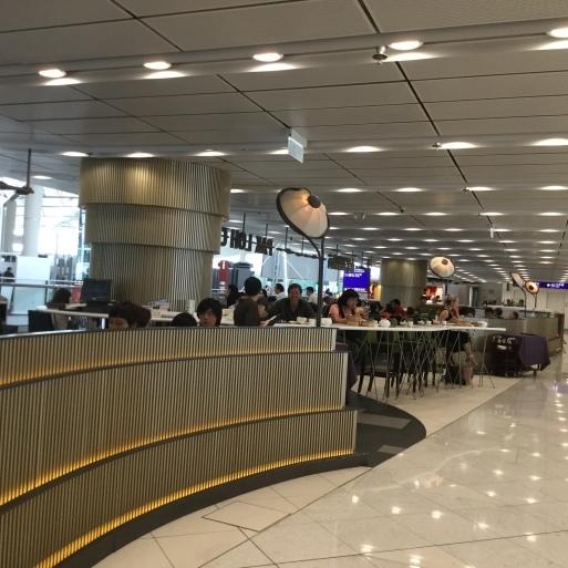 空港でも飲茶_b0210699_02104679.jpg