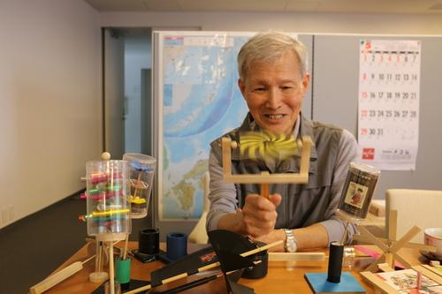 富川 義郎名誉教授にお越し頂き、重文本館展示室の整備の打ち合わせ&準備を行う_c0075701_2121115.jpg