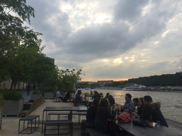 セーヌ川の浮島と遊歩道_d0337937_01025929.jpg
