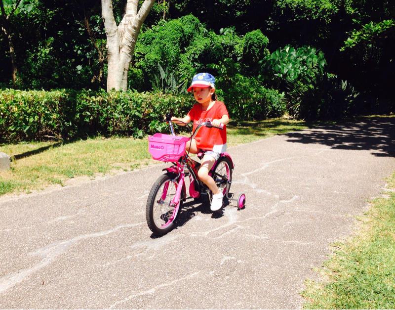 自転車と娘_b0219726_12065142.jpg