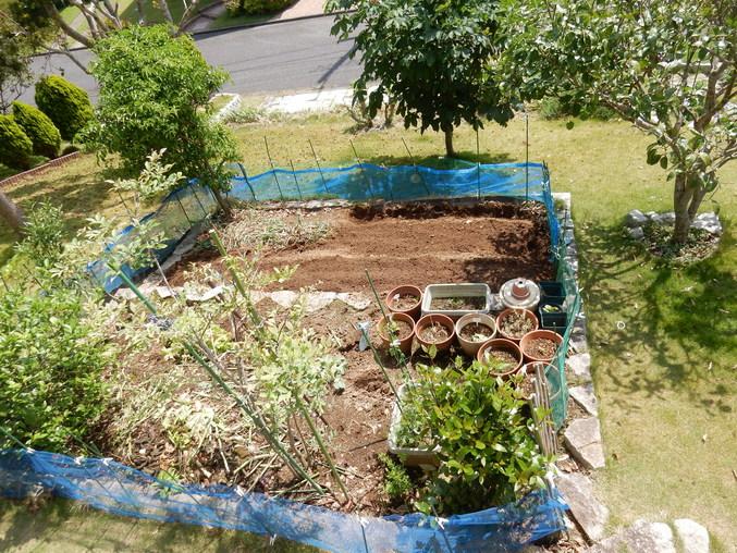 '16,5,29(日)庭仕事も大工仕事も!_f0060461_11181267.jpg