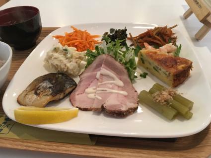 ナカノバ食堂_a0001971_23445678.jpg
