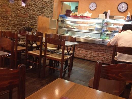 中華激戦区のサンタントニーノ通りで食べる_a0136671_3504282.jpg