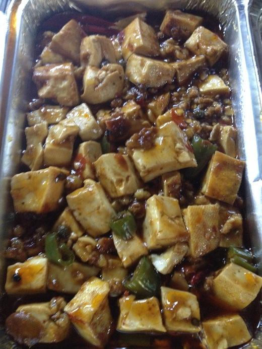 中華激戦区のサンタントニーノ通りで食べる_a0136671_4294755.jpg