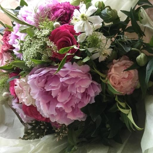 花束も野菜もいきいき_b0210699_23544229.jpeg