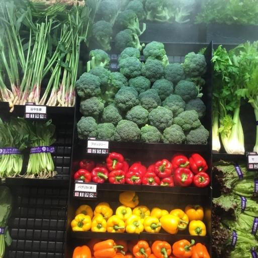 花束も野菜もいきいき_b0210699_23550492.jpeg