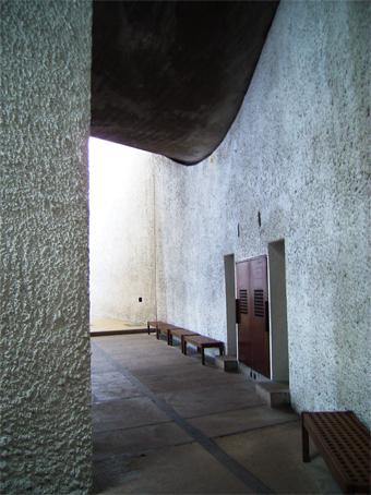 ル・コルビジェの建築_c0195909_8234227.jpg