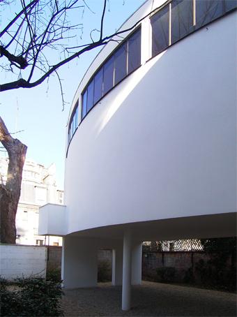 ル・コルビジェの建築_c0195909_82515.jpg