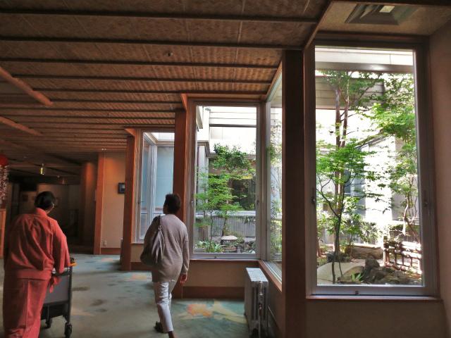 日本一時帰国 四万温泉へ1_b0064411_03472069.jpg