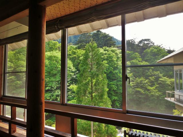 日本一時帰国 四万温泉へ1_b0064411_03472092.jpg