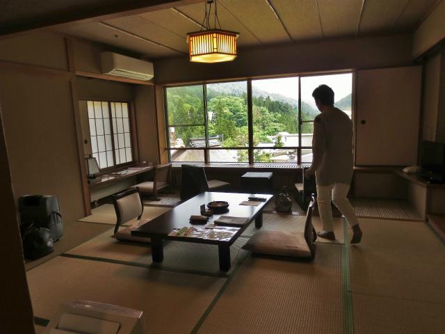 日本一時帰国 四万温泉へ1_b0064411_03530538.jpg