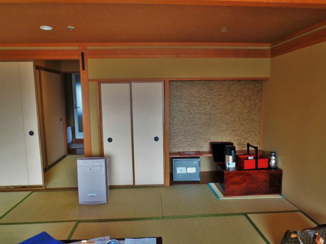 日本一時帰国 四万温泉へ1_b0064411_03530584.jpg