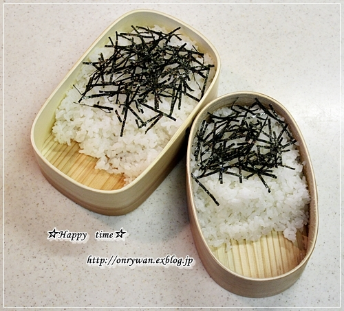 鮭フレークご飯弁当とバゲット♪_f0348032_17252651.jpg