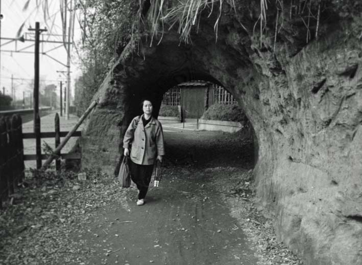横須賀線は円覚寺の結界である緑の洞門避けて開通_c0014967_6445657.jpg