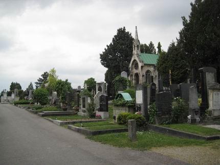 マーラーの墓参り (グリンツィング墓地)_a0280569_22332089.jpg