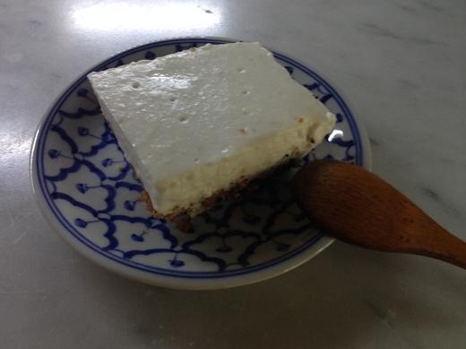 ヨシナリさん直伝のレアチーズケーキレシピ_a0136671_0542354.jpg