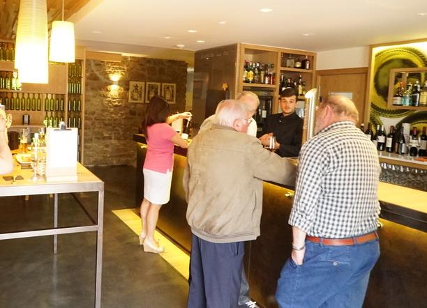 ボルドーからサンセバスチャンへ。ワインとピンチョスの旅 その9 アラメダのバルにて。 _a0223786_12463659.jpg