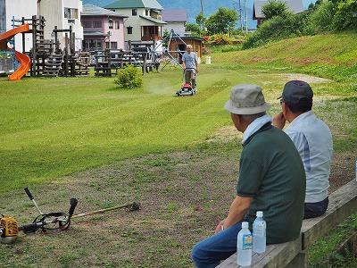 芝刈り機を使ってみました!_c0336902_21222852.jpg