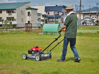 芝刈り機を使ってみました!_c0336902_2122389.jpg