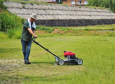 芝刈り機を使ってみました!_c0336902_21224791.jpg