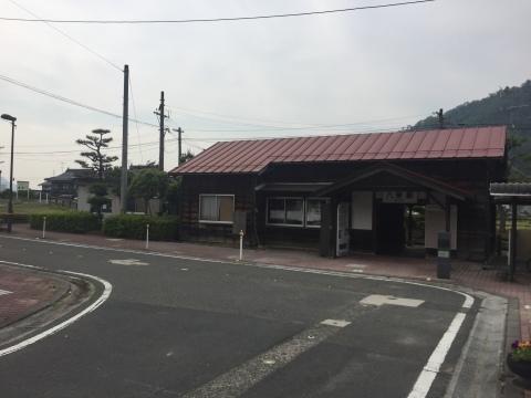 中嶋商店 (八東駅前)_e0115904_03464981.jpg