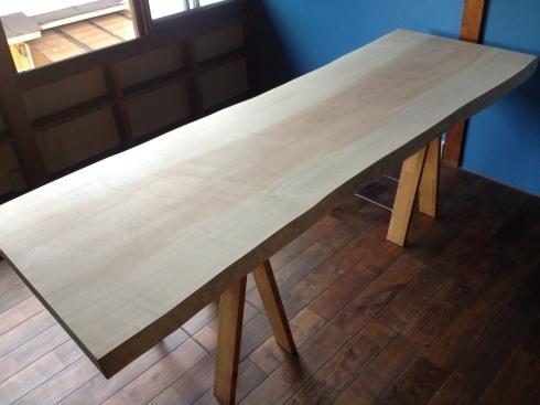 家具〜栃の無垢板のデスクテーブル〜その2_f0348078_13173717.jpg