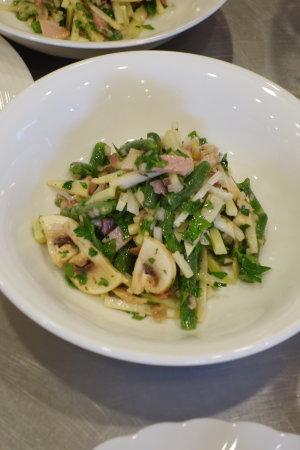 フランス料理:鶏の赤ワイン煮、サラダ・トロペジェンヌ他_b0254207_1341474.jpg