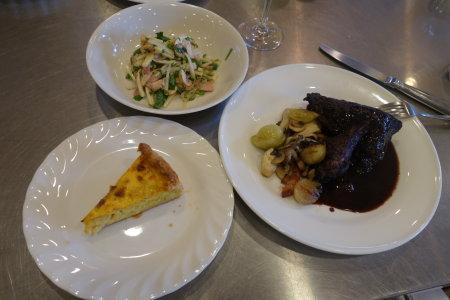 フランス料理:鶏の赤ワイン煮、サラダ・トロペジェンヌ他_b0254207_13473440.jpg