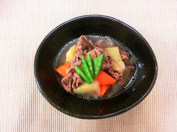 旬野菜の肉じゃが_c0173014_17565715.jpg