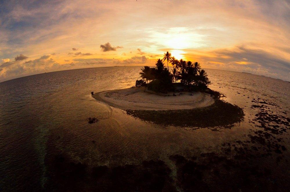 海の日開催!話題の無人島「JEEP島写真展」~宮地岩根~_c0221922_10225462.jpg