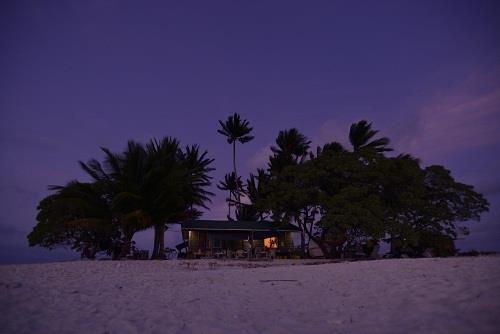 海の日開催!話題の無人島「JEEP島写真展」~宮地岩根~_c0221922_10232082.jpg