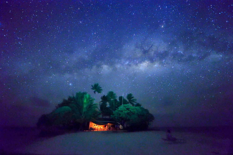 海の日開催!話題の無人島「JEEP島写真展」~宮地岩根~_c0221922_1155165.jpg