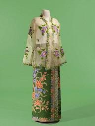 展覧会:サロンクバヤ:シンガポール 麗しのスタイル つながりあう世界のプラカナン・ファッション_a0054926_8524519.jpg