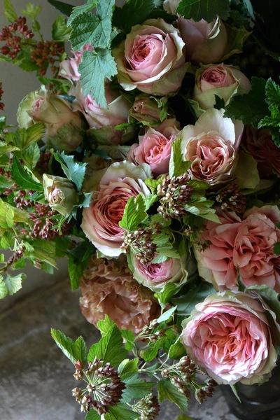 """バラ""""ロマネスク""""のブーケ。。。_a0229658_2205671.jpg"""