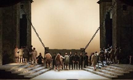 ベートーヴェンの「フィデリオ」 ウィーン国立歌劇場の公演から_a0280569_032863.jpg