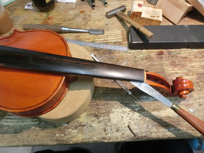 バイオリン 指板交換_d0299605_23333587.jpg
