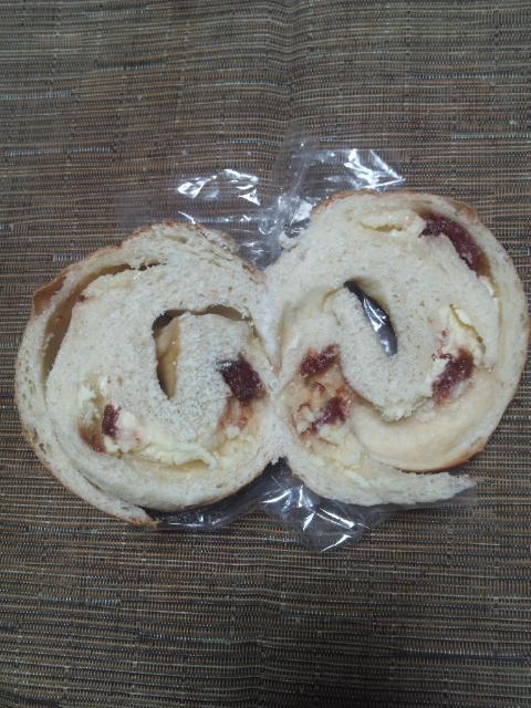 roll 苺ミルク(しっかり)_f0076001_21515339.jpg