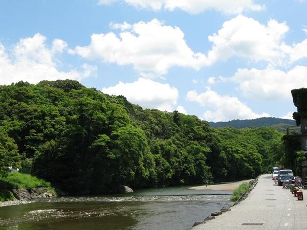 お昼休み散歩_f0129726_22015903.jpg