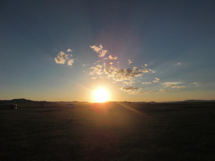 モンゴル大草原の夕日_a0109837_177386.jpg